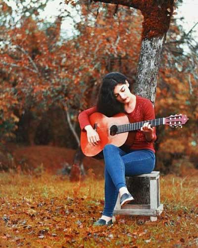 تصویر از پروفایل خاص دختر گیتاریست + پروفایل گیتاریست دختر