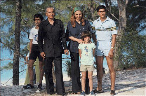 اخرین عکس خانوادگی شاه در جزایر کارائیب