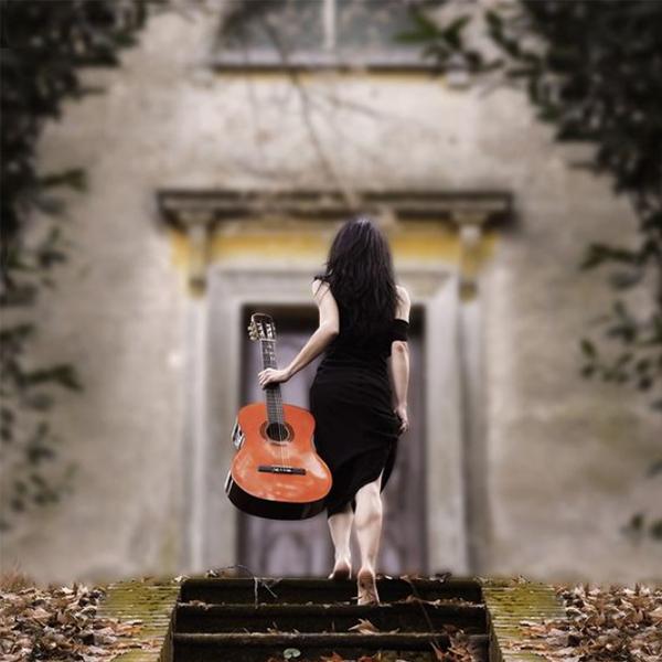 عکس گیتار برای پروفایل دخترونه