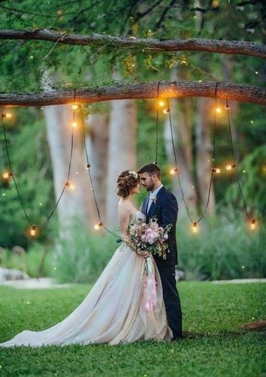 ژست عکس با حلقه ازدواج برای عروس و داماد