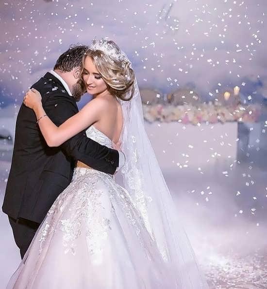 تصویر عروس و داماد در برف