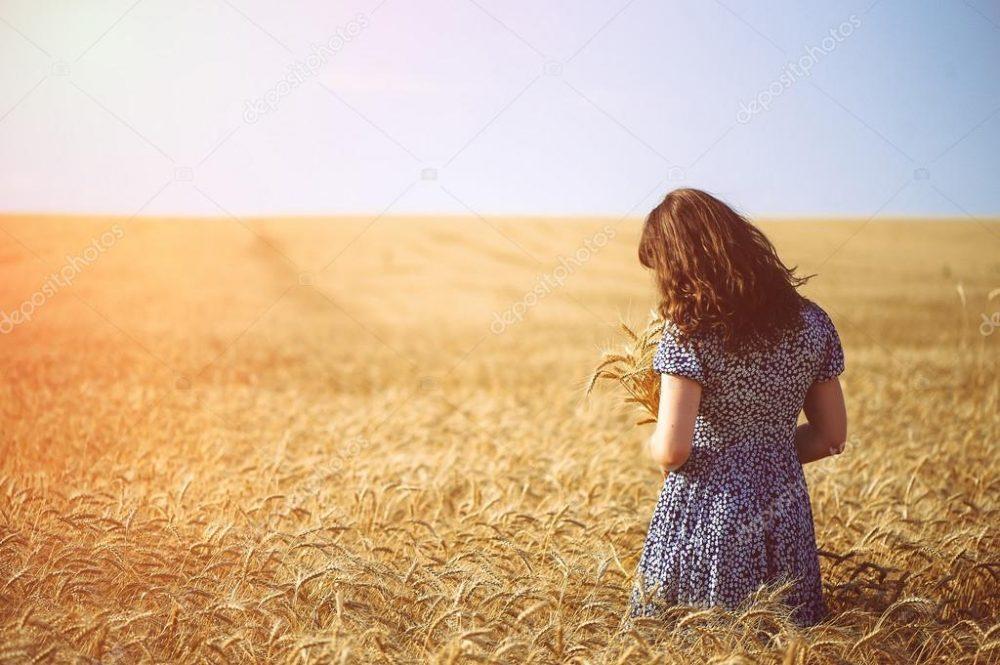girl Wheat field figure 9 scaled