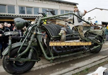 giant motorcycle