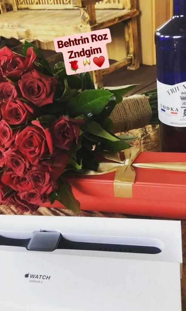 عکس استوری فیک گل رز قرمز با  وتکا
