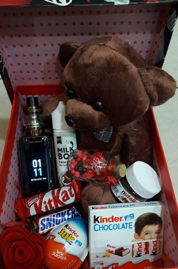 عکس استوری از خرس در جعبه برای  ولنتاین