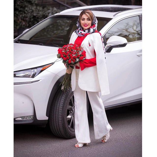 با مانتو سفید کتی چی بپوشم